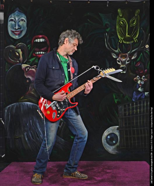 Joël Cornet, concepteur de la guitare ciseaux ayant servi à découper le traditionnel ruban d'inauguration !