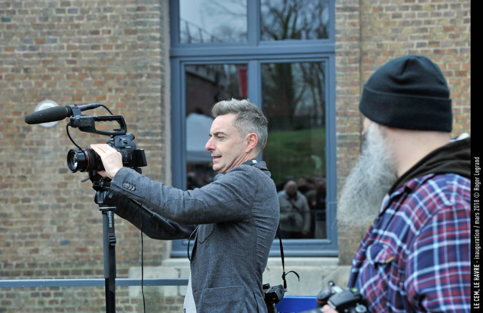 Jean-Marie Châtelier, caméra en main et Wilfried Lamotte, toujours là pour aider.