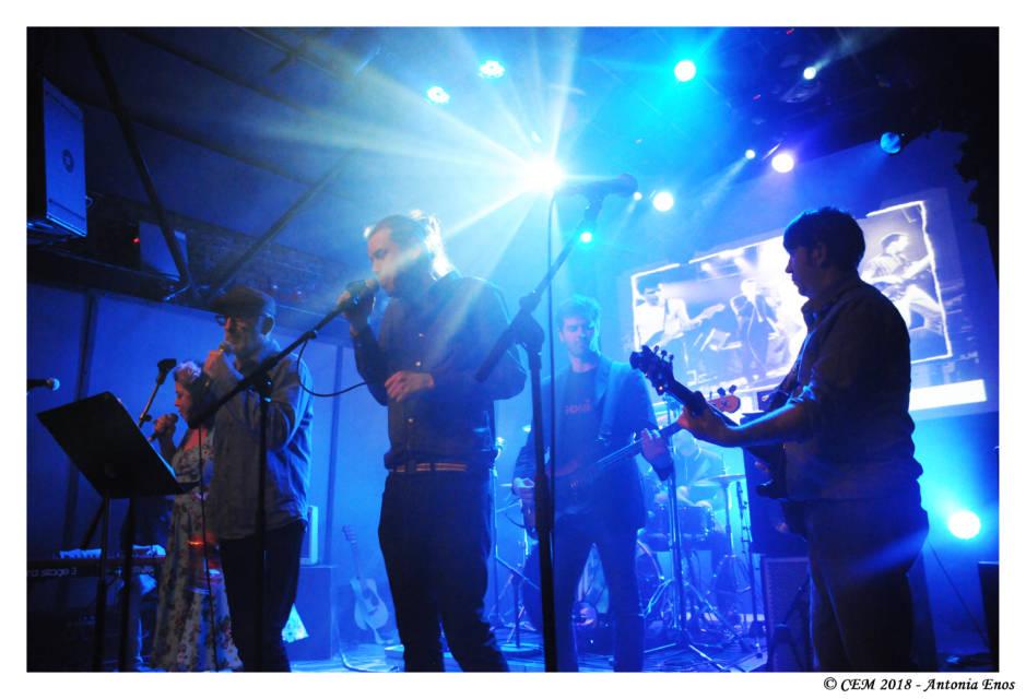Une reprise Madness avec Jason Darke et Dom Comont en chanteurs lead.